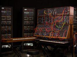 moog synthesizer iiic